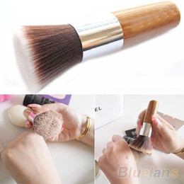 Wholesale Flat Top Buffer Foundation Powder Brush Cosmetic Makeup Basic Tool Wooden Handle FM