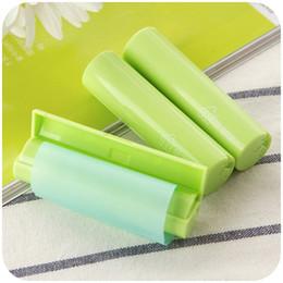 Wholesale 2 cm cm ABS Plastic Housing cm m Suction Oil Paper Portable Makeup Reel Facial Tissue