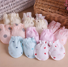 Wholesale Baby gloves newborn safety gloves Baby Scratch Mittens Baby Gloves months Free hipping