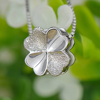 Wholesale pendant Sterling silver solid silver love clovers women gift iice latest European fashion Jewelry NO96