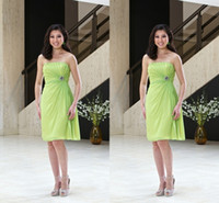 Cheap Modest Lime Green Bridesmaid Dresses Inexpensive Short Prom Gowns Simple Strapless Knee-length Backless Party Gowns 2015 In Stock