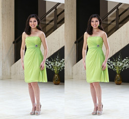 Wholesale Modest Lime Green Short Bridesmaid Dresses Inexpensive Short Prom Gowns Simple Strapless Knee length Backless Party Gowns In Stock