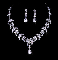 Wholesale Excellent Quality Women Luxury Clear Rhinestone Crystal Tassel Water Drop Necklace Earring Set Shiny Wedding Party Jewelry Set