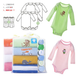 Hot Sale Baby Long Sleeve Bodysuits Towel Sets Christmas Gift Sets Newborn Handkerchief Baby Clothes