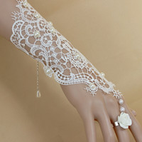 Wholesale white lace bracelet with ring chain wedding dance party hand act the role ofing is tasted