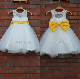 Wholesale Ball Gown Vestido De Daminha Short Flower Girl Sheer Jewel Neck Sleeve White Dress Yellow Bow Sash Top Lace And Tulle Communion Dresses
