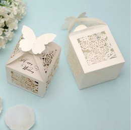 Wholesale 2015 Wedding Favor Holders Creative Pairs Ceremony Gift Box Candy Chocolate Bag Hollow Paper Packing Bags Printing High Quality