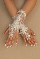 Wholesale Beaded Crystal Short Lace gloves Wedding gloves with Ivory or White fingerless gloves bridal gloves wedding accessories HY
