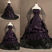 Недвижимость изображения черные и фиолетовые готические свадебные платья бальное платье Ruched без бретелек вышивки корсет Свадебные платья Бесплатные Обертывания