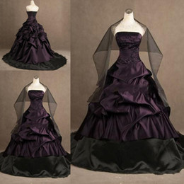 Real Image Black And Purple Gothic Wedding Dresses Ball Gown Ruched Strapless Embroidery Corset Bridal Gowns Free Wraps