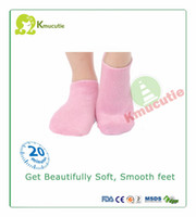 Wholesale Pink Gel Silicone Socks Moisturize Soften Repair Cracked Skin Moisturizing Treatment Gel Spa Socks For Women foot care products
