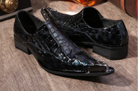 Wholesale British style personality Genuine leather pointed Rivet alligator design Men s wedding shoe