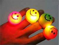 Wholesale Popular Prom LED Flash Smiley Face Finger Ring Hand Laser Light Kids Toys Elastic Rubber Blinking Ring For Party Christmas Gift