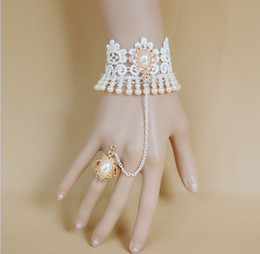 Wholesale The bride was white lace pearl bracelet with ring chain