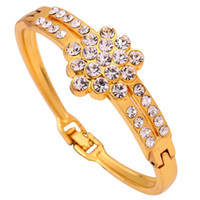 Wholesale Yazilind Jewelry High Quality Clover Crystal k Gold Plated Alloy Bracelets Bangles With Rhinestone Pentagon Style For Women