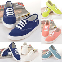 Wholesale Dropship Low Style Lace Up Canvas Shoes Classic Fashion Boarding Sport Shoes Tennis Plimsoll Women Sneakers