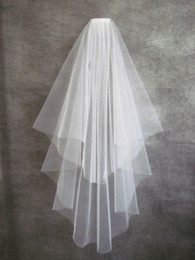 2019 Cheap! Free Shipping Simple Tulle Short Bridal Veils White Ivory Matched for Wedding Dresses in Stock Bridal Accessories