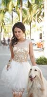 Mangas de vestidos brancos curtos baile baile vestidos 2015 Sheer Scoop A linha lantejoulas barato moda menina vestido clube especial vestido ocasião Cape