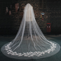 Wholesale Best Selling Nice Ivory Cathedral Two Tier Layers Bride Wedding Veil Free Comb Lace Purfles Custom