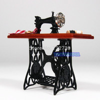 Wholesale Brown Miniature Vintage Miniature Furniture Sewing Machine Sewing Table Scissors Dollhouse Miniature Toys Dolls Accessories