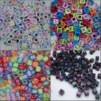 Wholesale 1000 loom Alphabet Acrylic Beads Charms Bracelet Rubber Bands DIY Silicone Refills Cube Letter Beads Pendants Accessories