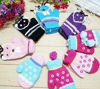 Wholesale cartoon Gloves for kids lovely little flower gloves warm mittens gloves pairs