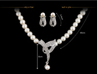 Wholesale Classic Design Rhinestone Crystal White Simulated Pearl Necklace Earrings Wedding Bridal Jewelry Set Party Costume Women Gifts
