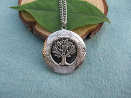 Wholesale 2pcs Hot sell Tree of Life Locket Silver Locket Gift for Mom Wife Sister Daughter Graduation Unique Locket Gift Idea