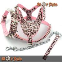 al por mayor arnés de leopardo rosa-Al por mayor-rosado del leopardo del cuero tachonado claveteado Conjunto collar de perro del correo del arnés