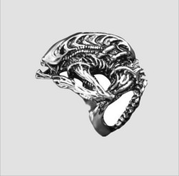 Wholesale Gothic punk fashion explosion models men women classic retro alloy rings Alien vs Predator alien warrior ring for man