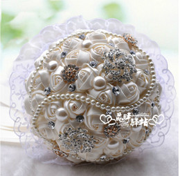 Wholesale Perals Pure Newest Design Beads Hot Sell Advanced Customization Colorful Crystals Hand Made Satin Wedding Bouquet Bride Hand Holding Flowers
