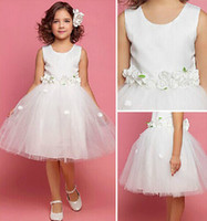 Wholesale Made In China Cheap Flower Grils Dresses Crew Neckline Sleeveless Hand Made Flowers Tulle Knee Length A Line Girls Formal Clothes ZX