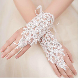 Wholesale 2014 Cheap Bridal Gloves Wedding Accessories White Ivory Sheer Lace Applique Fingerless Wedding Lace Crystal Beads Bow Belt In Stock