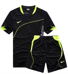 Wholesale Most popular style summer autumn fashion men s casual sports suit brand outdoor running sportswear sets men short sleeve T Shirt pants