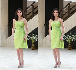 Wholesale Modest Lime Green Bridesmaid Dresses Inexpensive Short Prom Gowns Simple Strapless Knee length Backless Party Gowns In Stock