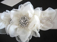 Wholesale 2014 Color Cream Custom Made Hand Made Flower Bead Rhinestones Fashion Fast Delivery Bridal Sashes Wedding Belts Wedding Accessories