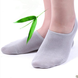 Wholesale Mens Sports Socks Invisible Bamboo Socks Non slip Silicone Socks Male Low Cut Meia Men Pairs Free Dropshipping