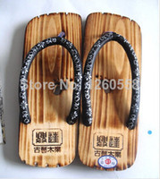 Wholesale Hot little feet clogs slippers men slippers Japanese geta sandals clogs for men pure wood production