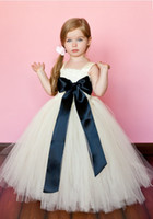 Wholesale Hot Sale Lovely Vintage Flower Girl Dresses Ball Gown Off Shoulder Tulle Little Girl Formal Wedding Party Gowns Black Bow Sash HD932