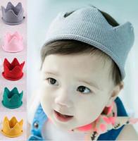 achat en gros de chapeaux bandeaux pour les enfants-Bébé Knit Couronne Tiara enfants Infant Crochet Bandeau partie bouchon chapeau d'anniversaire Photographie props Beanie Bonnet