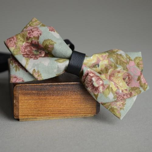 gro handel gro handels weinlese gr ne blumen fliege herren baumwoll krawatte vintage. Black Bedroom Furniture Sets. Home Design Ideas