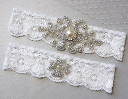 Wholesale Vintage Wedding Light Ivory Stretch Lace Garter Rhinestone Crystal Bridal Garter Set Pearl Wedding Garter