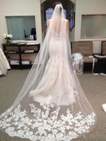 beautiful wedding veils - In Stock Hot White Ivory Beautiful Bridal Veils Cathedral Length Lace Edge Wedding Bridal Veil Comb