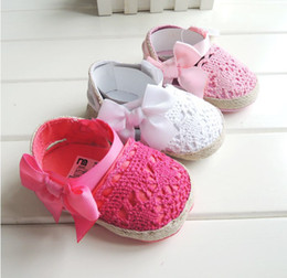 Wholesale Satin Shoes Baby Girl Flowers Bow Baby Toddler Shoes Booties Soft Sole First Walkers Footwear Crochet Summer Infant Sandals Sale