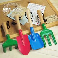 Wholesale Derlook zakka toiletry kit sheet iron shovel rake props Garden Tools