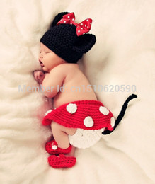 2017 cute baby accesorios de fotografía Al por mayor-hecha a mano infantil del sombrero recién nacido del bebé de la gorrita tejida del ganchillo del niño de punto de dibujos animados Mickey Ratón lindo arco Atrezzo Fotografía Costume Set cute baby accesorios de fotografía en oferta
