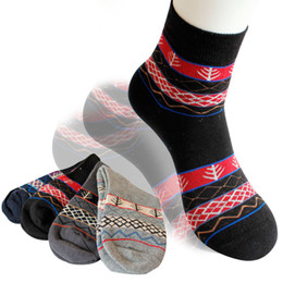 Wholesale Ethnic men socks autumn tide men s creative personality in sports and leisure stockings cotton tube socks