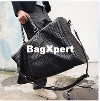 Wholesale new Woven bag the new men s large portable shoulder bag casual bag overnight bag prepared lines