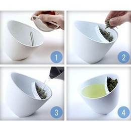 Wholesale New Novelty creative Eco Friendly Teacup A Twist on Tea Brewing Tilted tea cup White Black