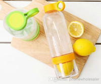 Wholesale Citrus Zinger Lemon Cup Fruit Infusion Water Bottles with Citrus Juicer ML with Gift box colors